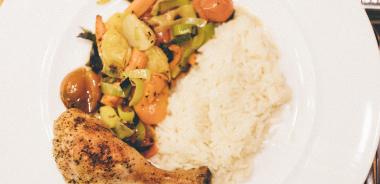 Poulet mit Gemüse aus dem Ofen